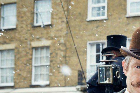 熱門電視影集「新世紀福爾摩斯」,最近低調拍攝特別篇,並將在明年初在大銀幕與粉絲見面。有趣的是,特別篇電影裡的背景,回歸原著的年代,故事發生在19世紀、維多利亞女王時代,重拾復古風也別有新趣味。BBC...