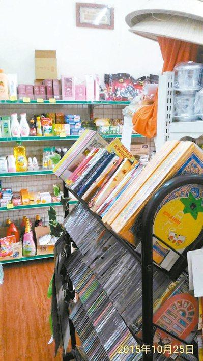 南投縣民蘇達與印尼籍妻子蘇芊禾經營的「TOKO SUDA蘇達印尼商店」,店內擺放...