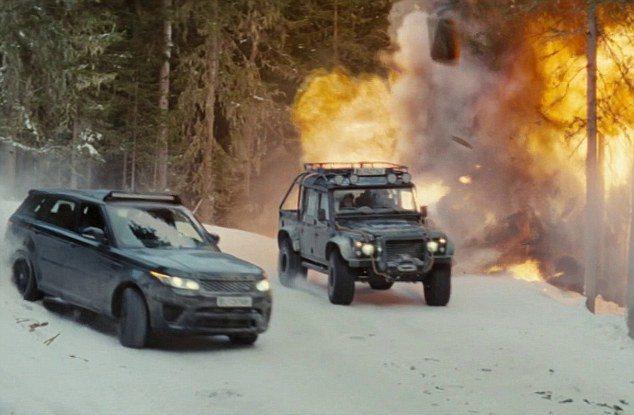 Jaguar和Land Rover提供三台車,做為道具車,包括Jaguar C-...