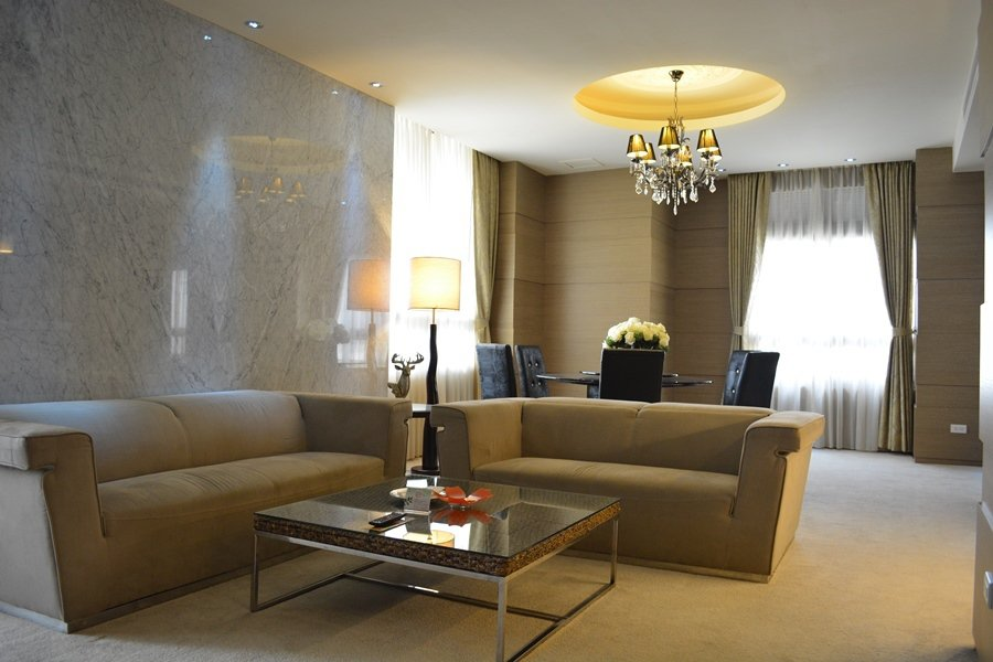 行政套房的傢俱更帶著強烈的歐洲頂級旅店的風格。