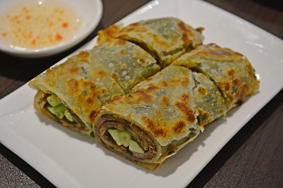 品江南的超人氣的牛肉卷餅,使用的青蔥還是特選的三星蔥。