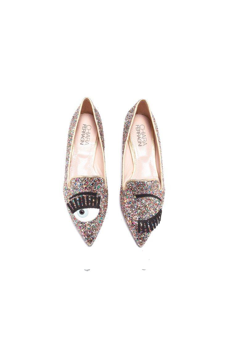 Flirting系列 彩色亮片尖頭平底鞋,13,800元。圖/Chiara Fe...