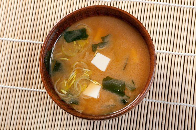 味噌湯是日本國民湯。 圖/ingimage