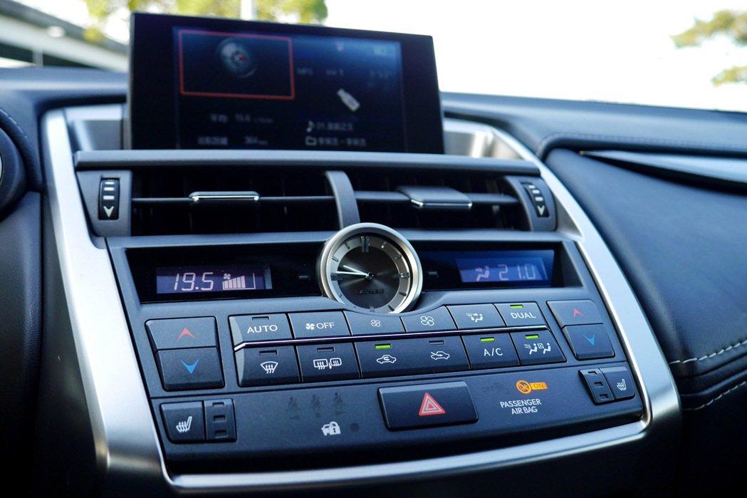 車用衛星廣播幾乎成為每台車的標準配備。 記者陳威任/攝影