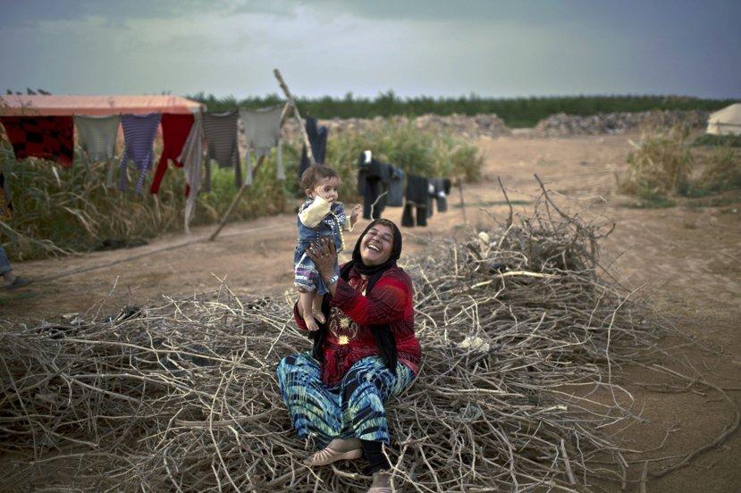 女性透過家務與照顧家人,能夠建立並且維繫家人之間緊密的關係,對於難民來說,家庭的...