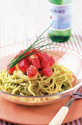 酪梨鮪魚天使麵 圖/摘自晨星出版《吃的美容事典》