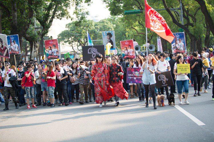 王安頤旗下企業年年參與同志遊行,以行動力挺同運。圖/頤創藝提供