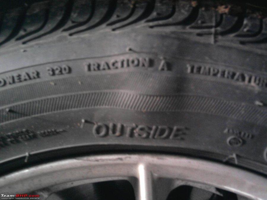 輪胎上的凸起與起泡可能造成無預警的爆胎意外。 摘自www.team-bhp.co...