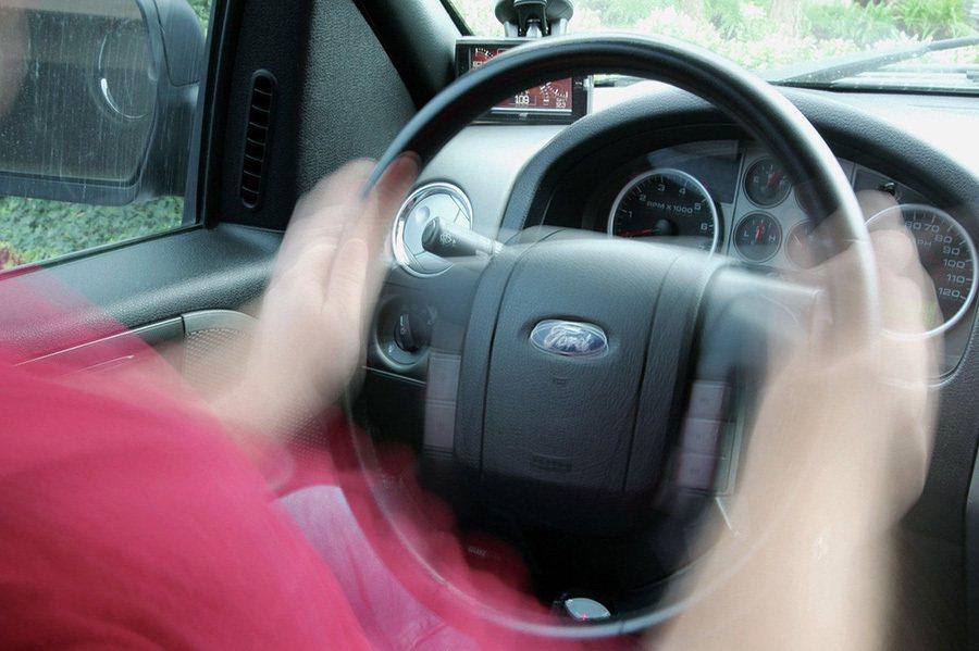 過多的震動現象,通常就表示車輛某部位可能以受損。 摘自trucktrend.co...