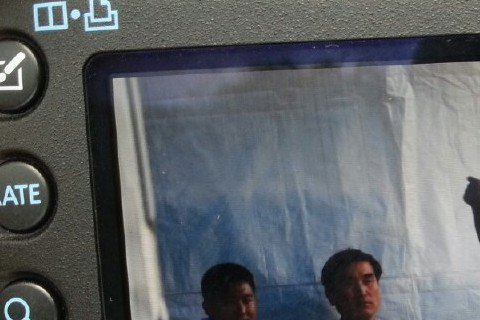 今年,29歲的允浩先於7月入伍,隨後在中、有天相繼當兵,昌珉也將在11月入伍。2日南韓軍方舉辦陸軍慶典,允浩擔任主持人,在中則是表演嘉賓,形成另類的同台;據當天直擊的粉絲透露,當天允浩與在中兩人有稍...