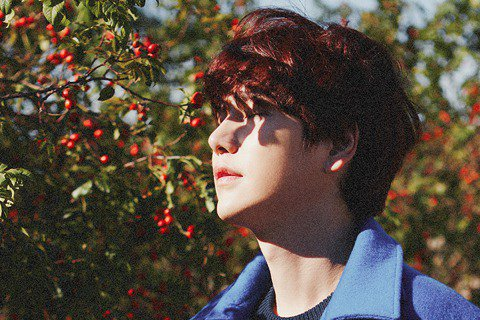 Super Junior成員圭賢將推出第二張迷你專輯《再一次,秋至》,於10月15日零點公開全部音源。圭賢去年11月發佈了首張個人專輯《在光化門》,同名主打歌唱出了各個年齡段聽眾的心聲,不論音源、專...