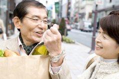 財富移轉…晚輩服務 從爺奶手中賺錢