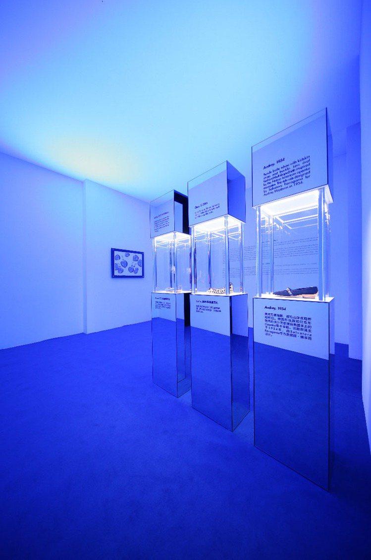 奧黛麗赫本的展覽空間以藍色為代表。記者陳若齡/攝影