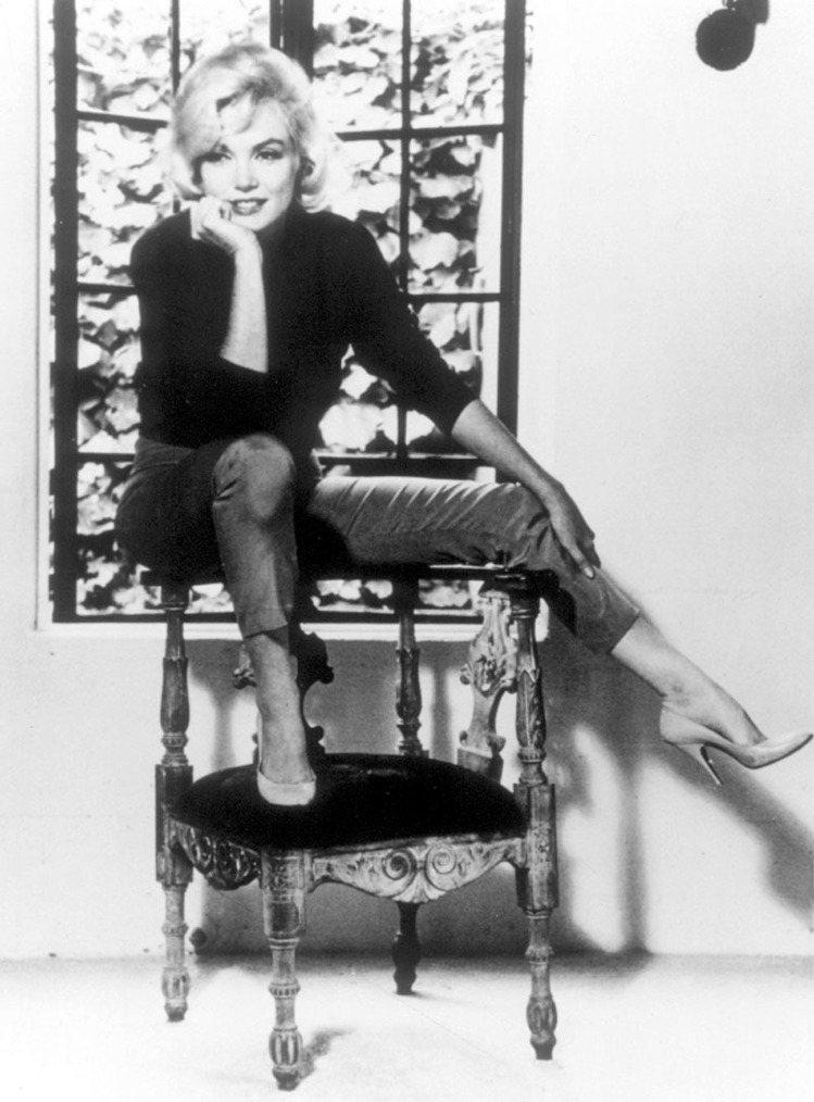 瑪麗蓮夢露穿著Ferragamo夢露鞋款。圖/Ferragamo提供
