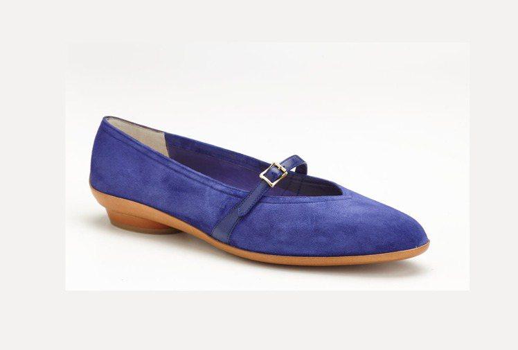 Creation復刻系列AUDREY藍色麂皮綁帶赫本鞋,28,900元。圖/Fe...