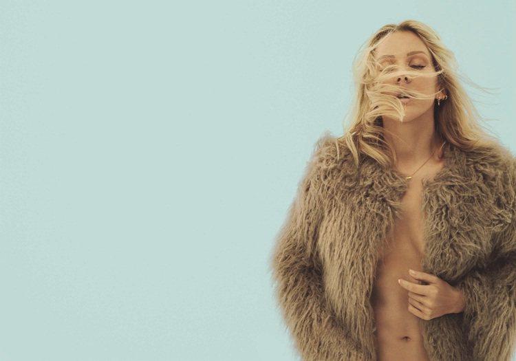 將發行新專輯的 Ellie Goulding 補上2015VS年度大秀表演嘉賓蕾...