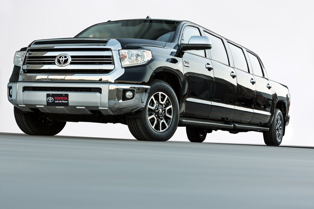 外型有如越野加長禮車的Toyota Tundrasine。 圖/Toyota提供