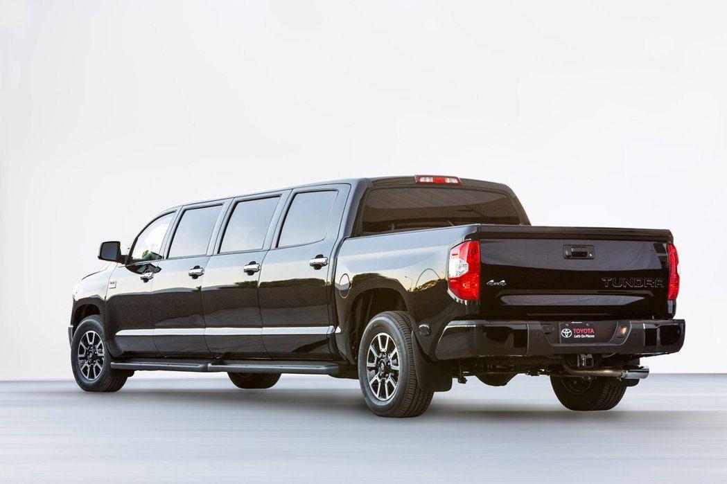 Toyota Tundrasine全車尺碼再放大,全車總計共8扇車門。 圖/To...