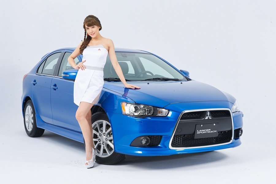 2016世界新車大展三菱車模Jill。