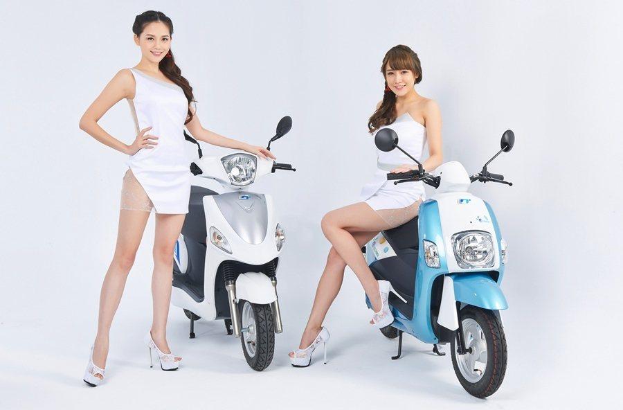 中華自創品牌e-moving多款電動二輪車也將同步上陣。
