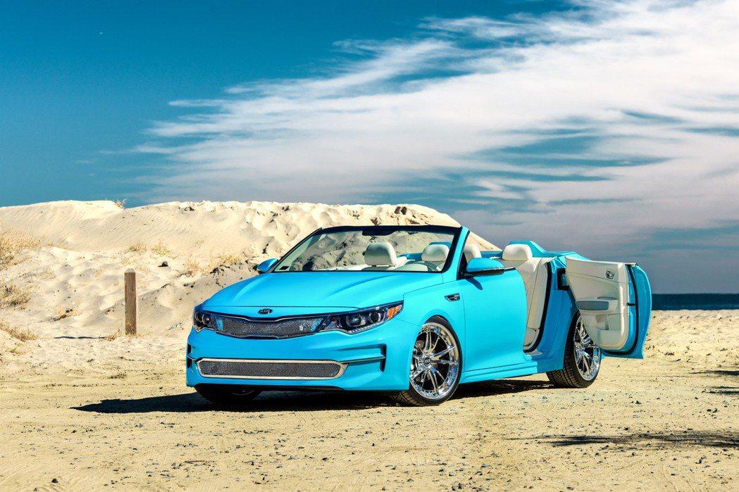 KIA A1A Optima擁有水藍色車身烤漆,搭配20吋鍍鉻鋁圈,外型十分新潮...
