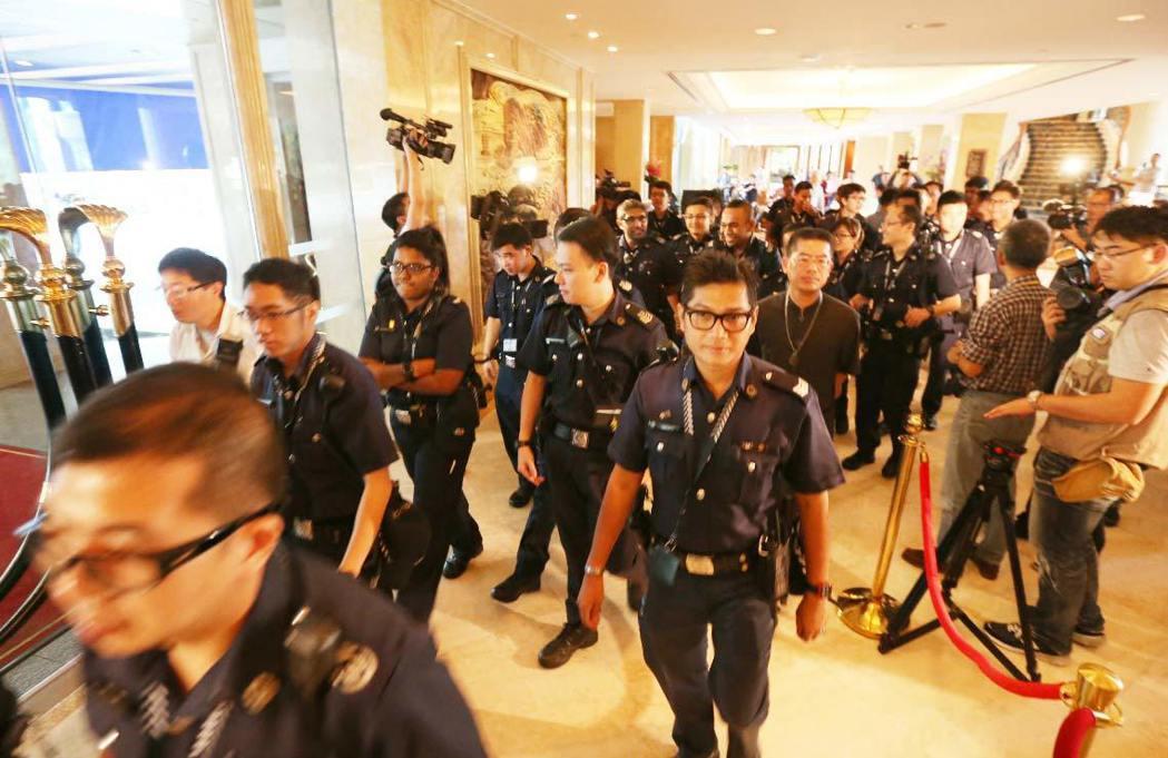 「馬習會」下午正式登場,位於新加坡的香格里拉飯店內,上午不斷增加維安警力。 記者...