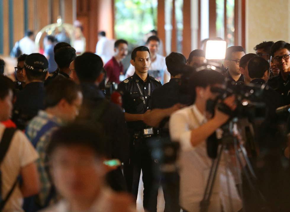 「馬習會」下午正式登場,位於新加坡的香格里拉飯店內,上午不斷增加維安警力,與上百...