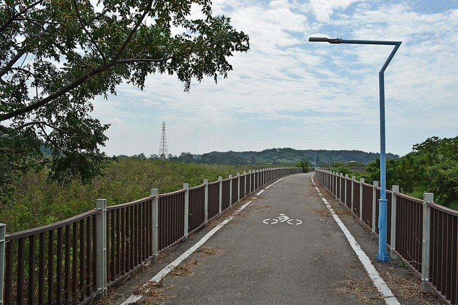 綠海風自行車道。
