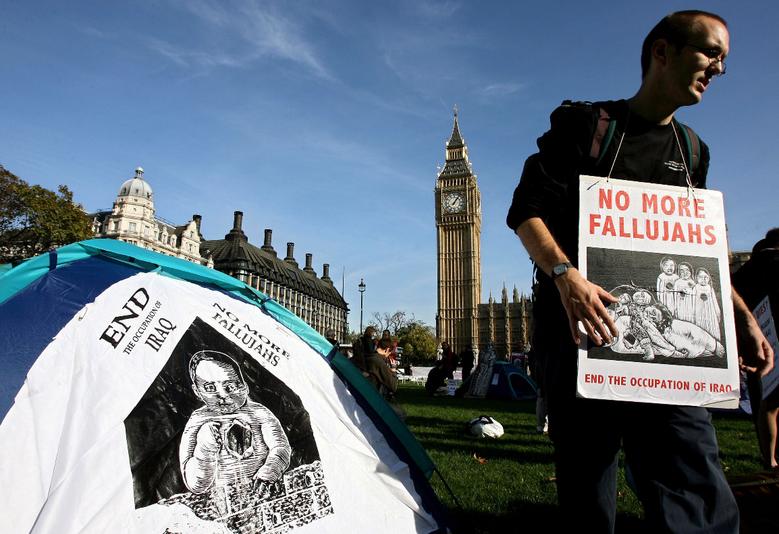 為反對入侵伊拉克,和平反戰人士曾在倫敦的國會廣場紮營抗議9年。 圖/路透社