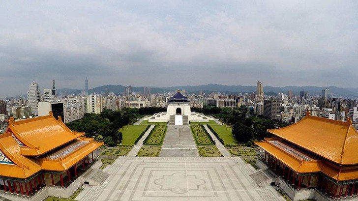 從各條件看,中正紀念堂是難得的一塊地方,可作為立法院新址。   圖/經濟部