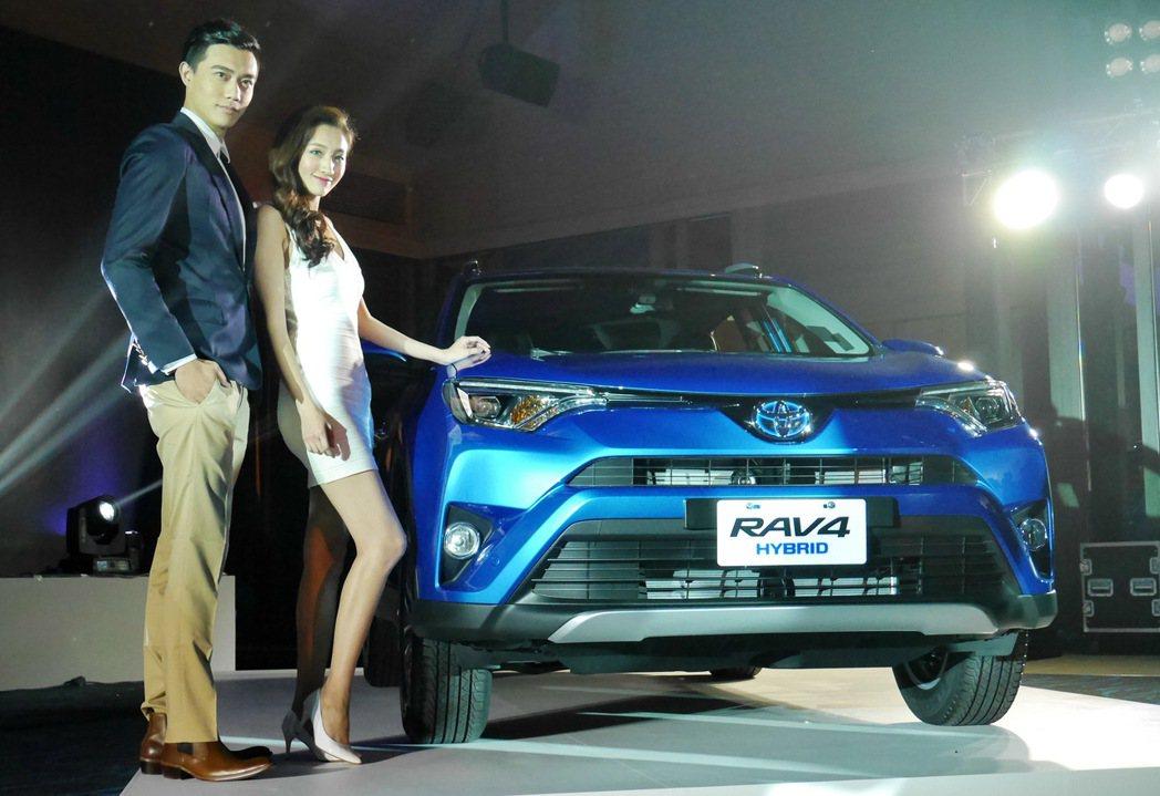 Toyota總代理和泰汽車將市場期待已久的RAV4 Hybrid車型導入台灣市場。 記者陳威任/攝影