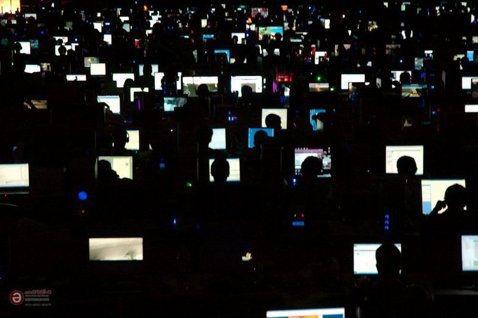 鍵盤參戰——淺談「數位原民」的網路政治學