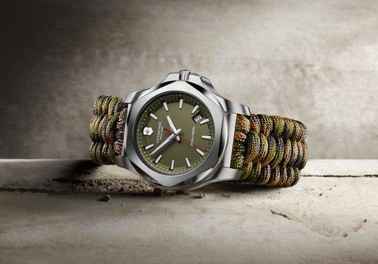 I.N.O.X. Paracord 全球特別版腕表,搭配專業傘繩編織表帶。23,...