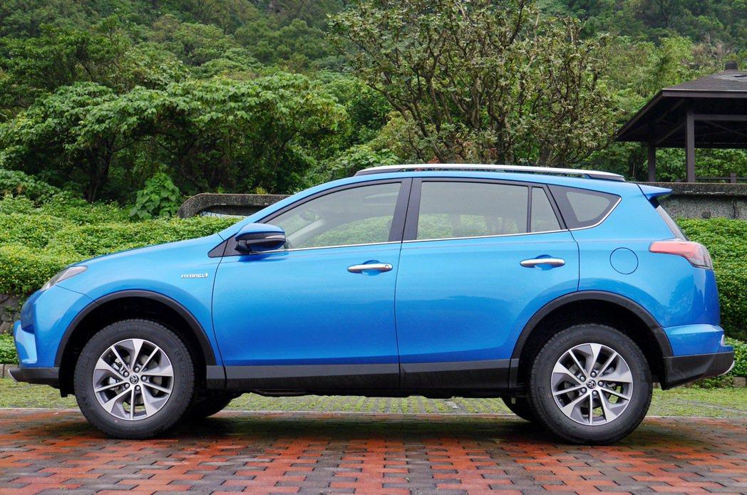 現行版Toyota RAV4。 記者陳威任/攝影