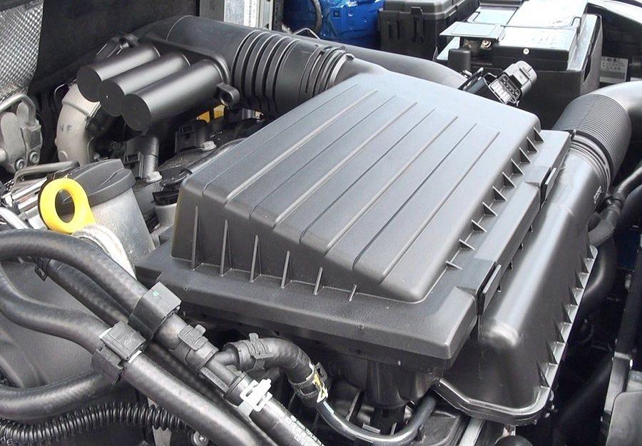 我們此次試駕的1.2升TSI渦輪增壓車型,這顆渦輪增壓引擎著重於前中段表現,起步...