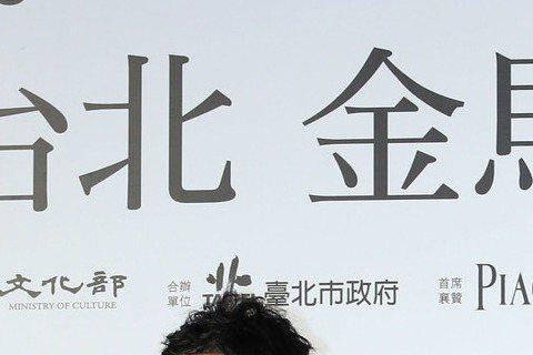 影金馬獎入圍最佳影片「山河故人」紅毯之夜,演員董子健(左起)、張艾嘉、趙濤、導演賈樟柯一同出席。