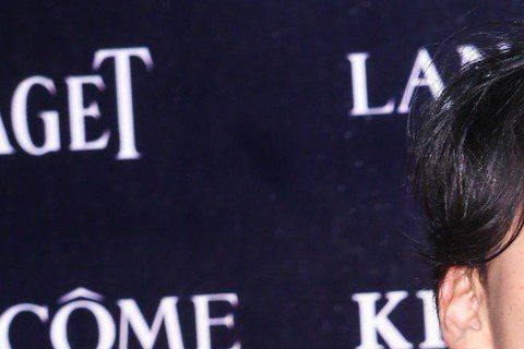 第五十二屆金馬獎晚間登場,「刺客 聶隱娘」一劇入圍最佳劇情片等多項大獎,導演侯孝賢入圍最佳導演獎、舒淇入圍最佳女主角獎、演員張震、謝欣穎、梅芳等劇組團隊走紅毯。圖/攝影中心