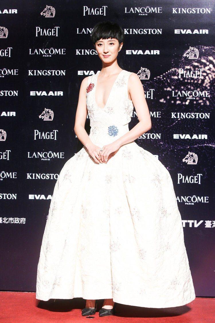桂綸鎂穿Dior高級訂製服。圖/攝影中心