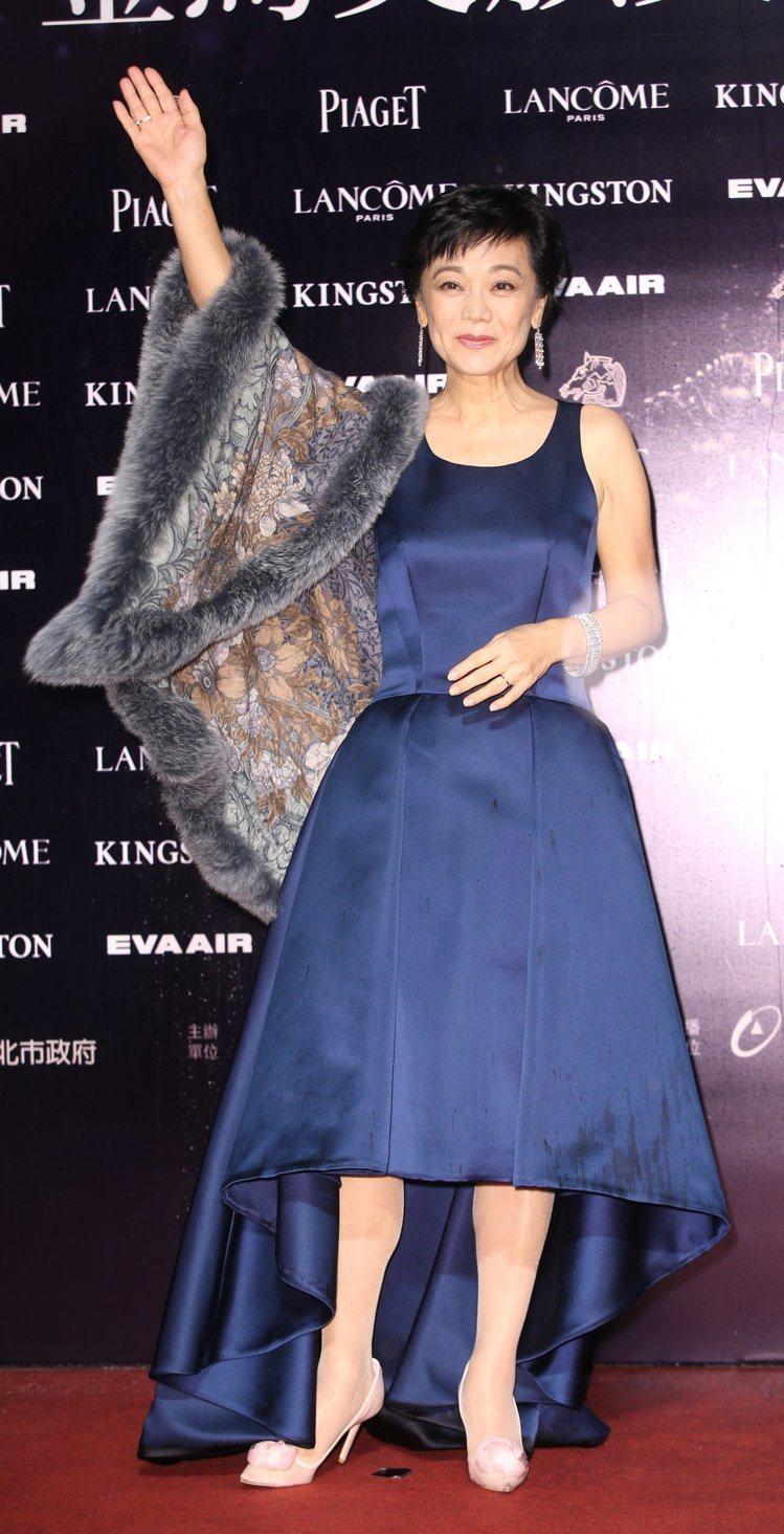 張艾嘉穿Dior禮服,配戴Tiffany珠寶。圖/攝影中心