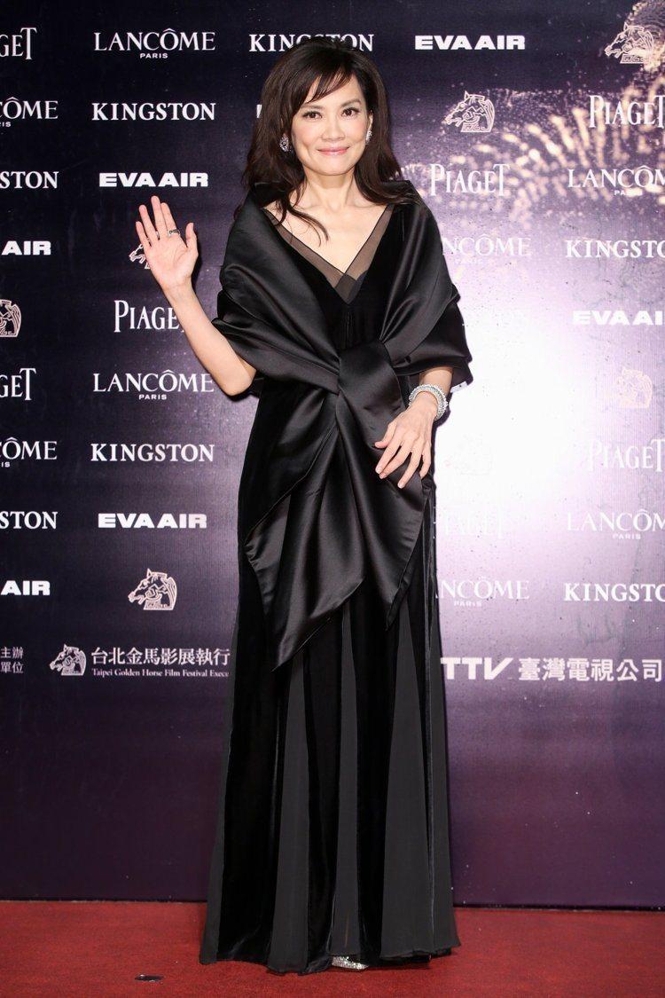 陳湘琪配戴DAMIANI珠寶,衣服蔡琴準備。圖/攝影中心