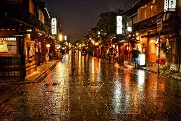 外國遊客到台灣,晚上只能逛夜市?看京都如何發展夜間觀光資源