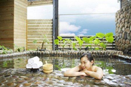 海之戀花園風呂,天然景緻怡然自得。