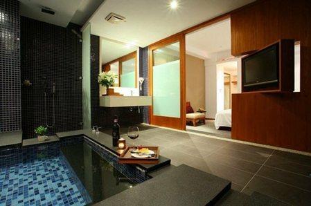 豪華客房湯池。