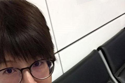 TVBS主播夏嘉璐在臉書上表示,自己每天播新聞,看到的多是怒氣騰騰的社會。沒想到,自己在一次的擦車意外中,碰上了「天使」,讓她感受到這個社會還是有溫暖的。夏嘉璐表示,有時候播新聞看到「按一下喇叭、多...