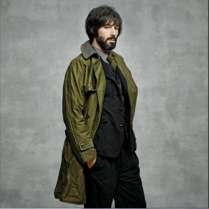 軍綠防風大衣,價格27,380元。圖/ onefifteen提供