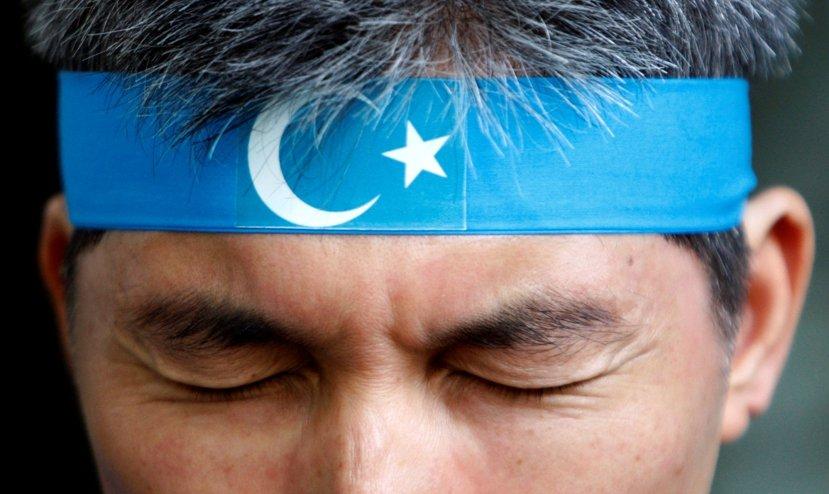 在沒有美國或俄國這樣能與眼下中國相埒的大國協助,新疆要靠自決乃至公投走向獨立,將...