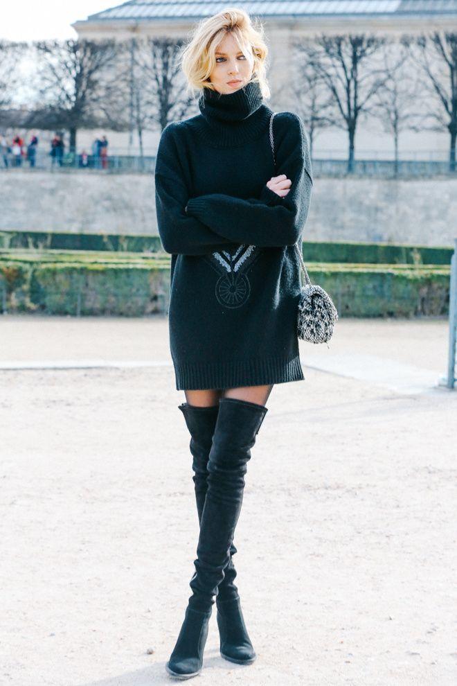 選擇超短的下身單品,或是乾脆挑件長版的厚毛衣當洋裝穿,搭配過膝靴,時尚又高挑。圖...