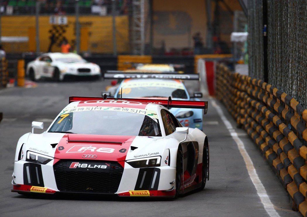 四輛全新R8 LMS GT3賽車同場競技,令現場觀眾留下難忘的賽事體驗。 Aud...