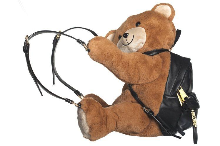MOSCHINO小熊後背包真是萌翻了,售價62,500元。圖/MOSCHINO提...
