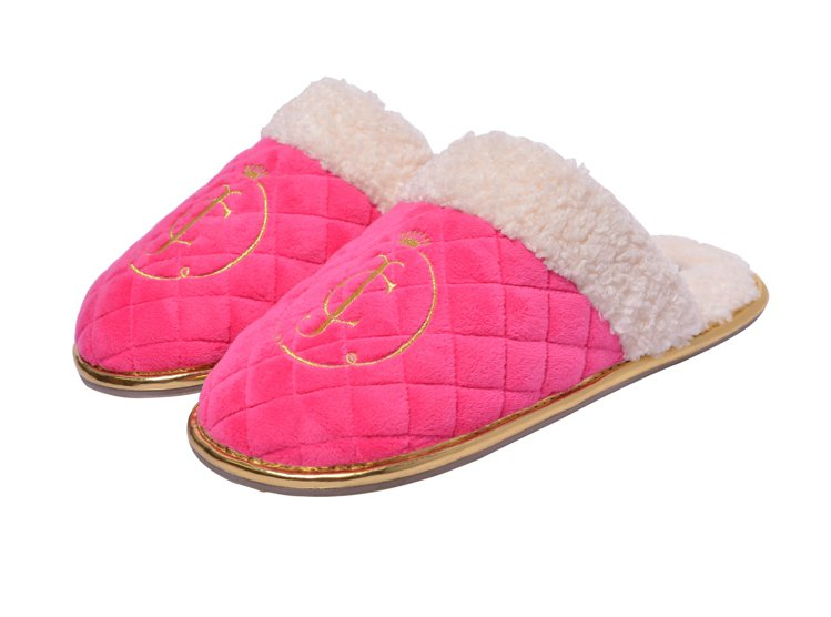 Juicy Couture翻毛拖鞋有黑、白、桃紅三色,售價3,400元。圖/Ju...